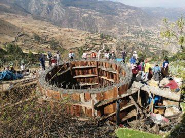 Construction du réservoir sur la colline