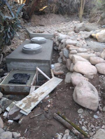 Recouvrement avec des pierres