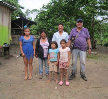 William en compagnie d'une famille de Nuevo Progreso