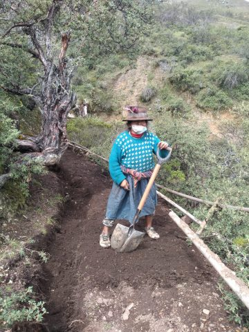 Une paysanne au travail
