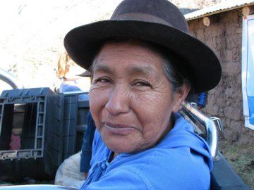 Une villageoise très souriante